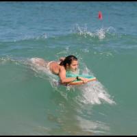 nadando na onda em Trindade, Paraty, Rio de Janeiro