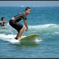 surfista em Cambury, São Sebastião (SP)