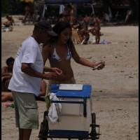 na praia de São Sebastião (SP)